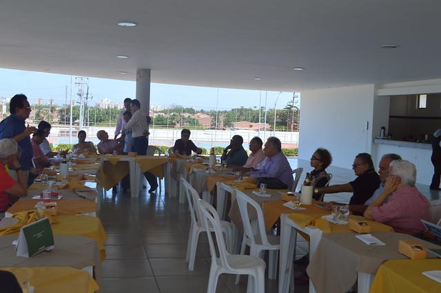 AMMA reúne aposentados em almoço de confraternização na sede social