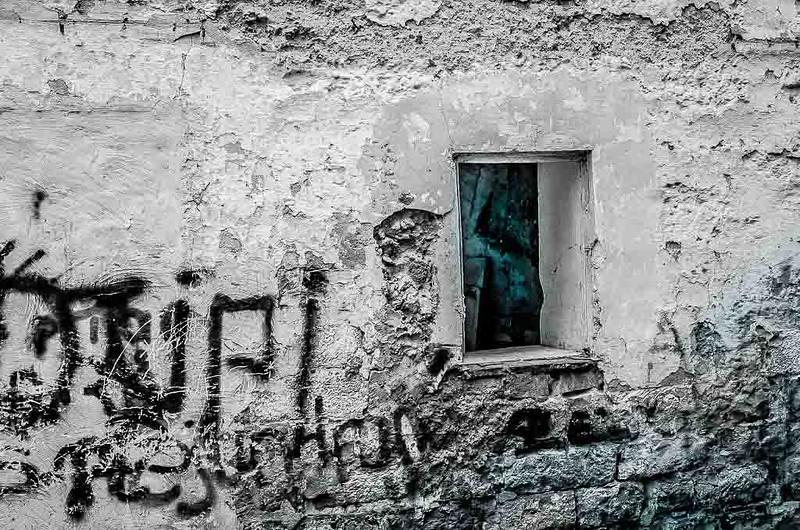 Solares y casas abandonadas-5