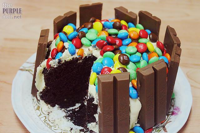 Beehive Pastries KitKat Cake