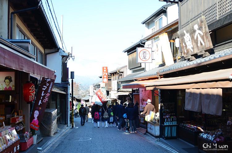 [日本。京都]清水坂元祖八ツ橋。現場手製老店
