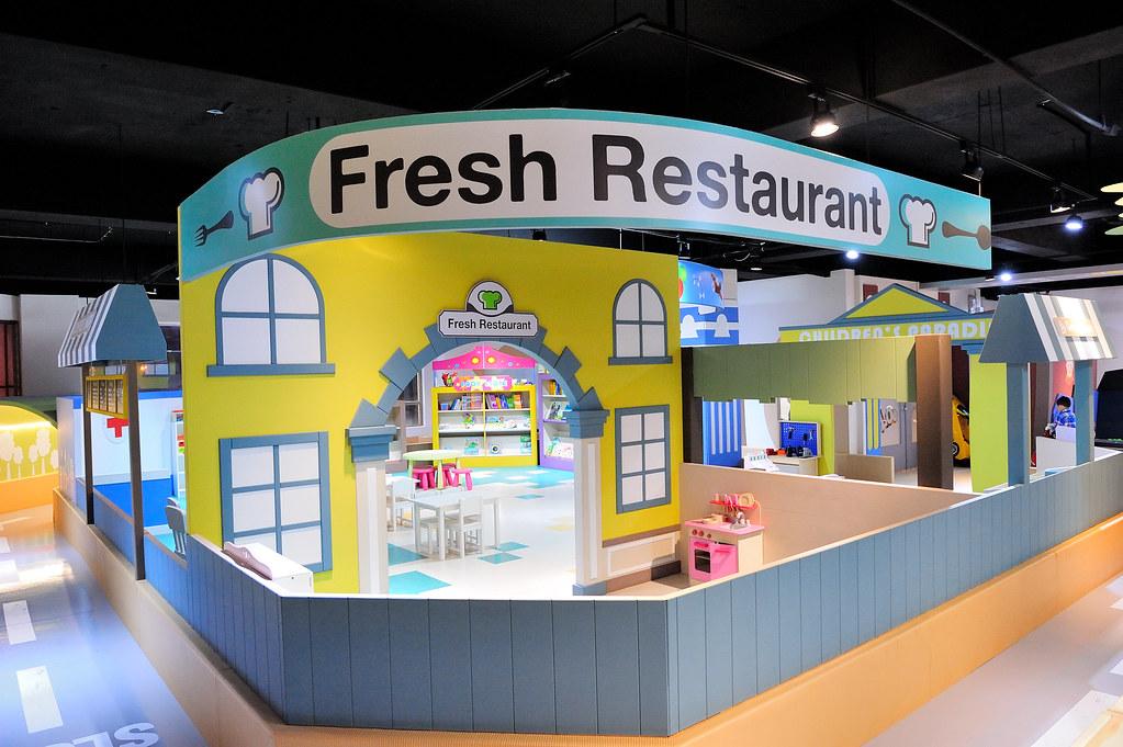 新竹竹北【La Play 樂玩 親子空間x輕食】新開幕有電動車、球池的親子餐廳