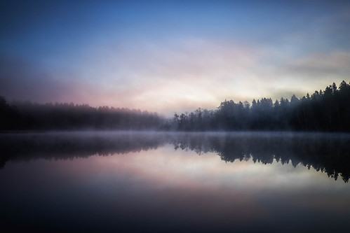 lake water fog sunrise reflections mirror stockholm judarn bromma fujifilmxt1