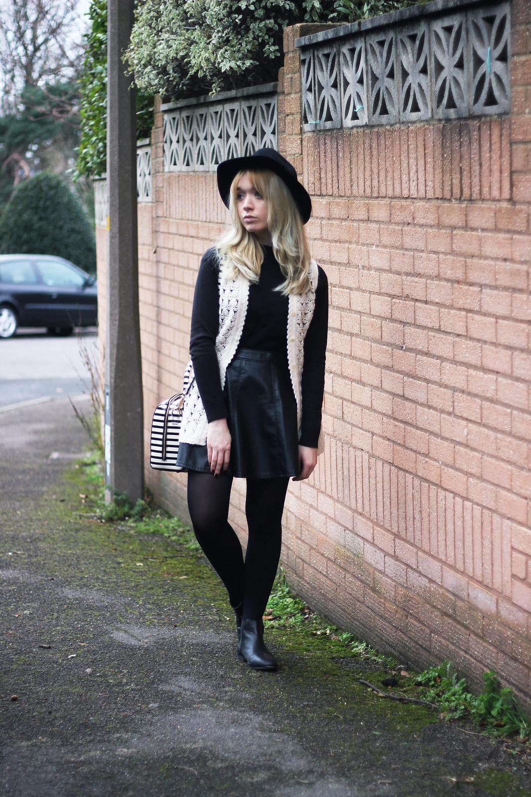 2-crochet-waistcoat-outfit, fashion-blogger-style, boho, mod
