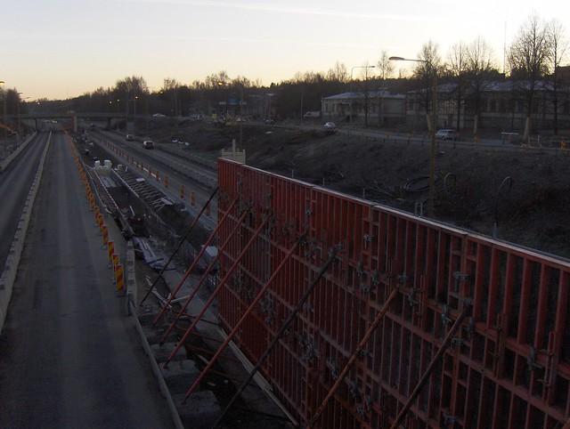 Hämeenlinnan moottoritiekate ja Goodman-kauppakeskus: Työmaatilanne 20.11.2011 - kuva 3