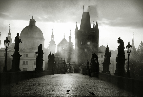 mist silhouette misty sunrise europe prague bridges statues czechrepublic charlesbridge medival