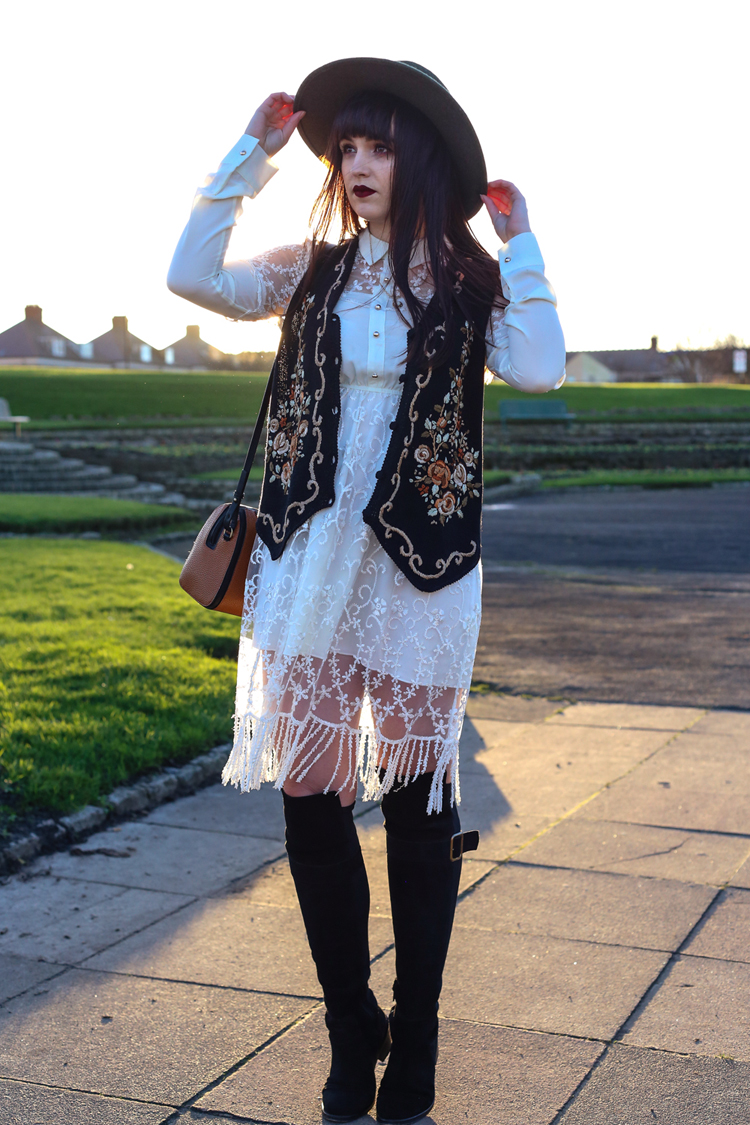 vintage outfit, cow girl, lace fringe dress, dahlia girlfriend, christmas jumper style challenge