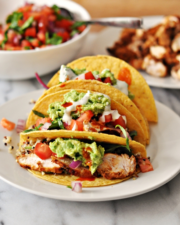 Grilled Chicken & Avocado Taco with Garlic-Yoghurt-Tahini Sauce | www.fussfreecooking.com