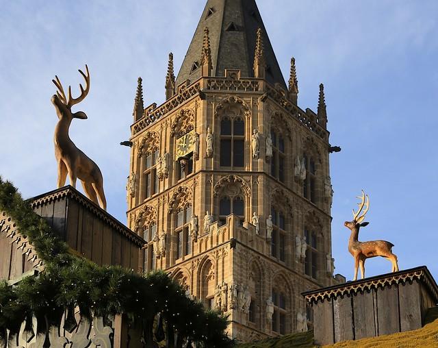 Zum Hirsch, Weihnachtsmarkt Alter Markt, Koeln, Germany, fotoeins.com