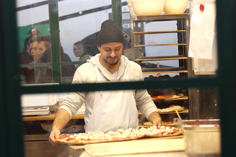 baking pizza markthalle 9 berlin