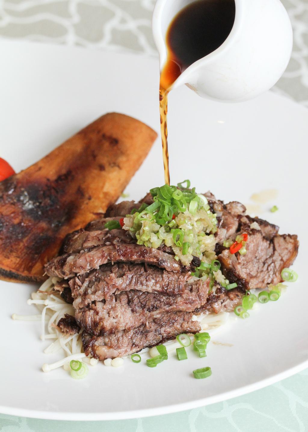 TungLok XiHe Peking Duck: saliva-inducing Pan-fried Beef Rib with Sichuan Pepper