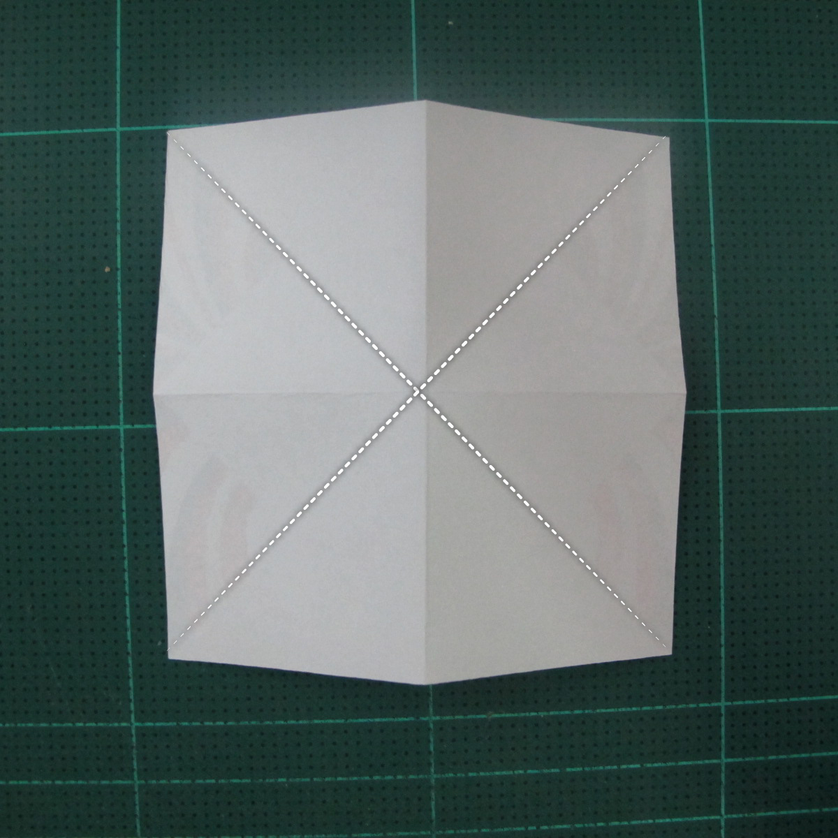 การพับกระดาษเป็นผีเสื้อแบบง่ายๆ (Easy Origami Butterfly) 003