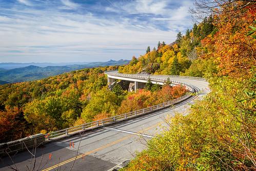autumn mountains fall viaduct vista blueridgeparkway grandfathermountain brp overshot linncoveviaduct ourstate visitnc