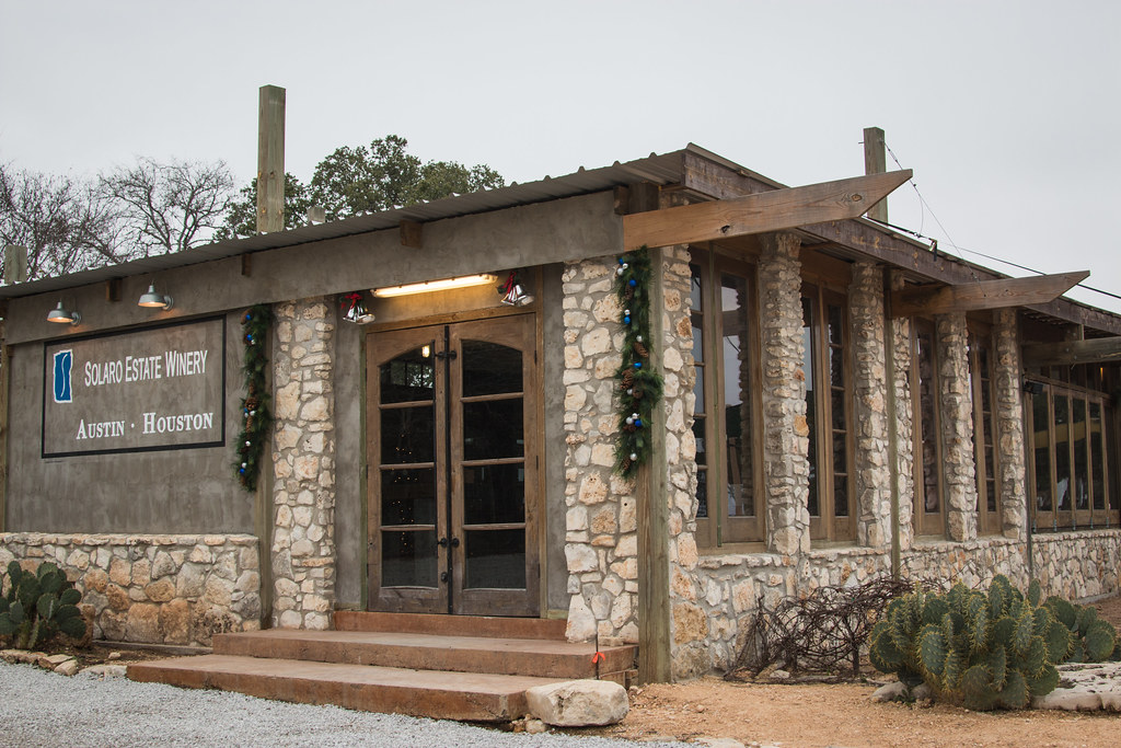 2014 Texas Hill Country Holiday Wine Trail Bake Love Give