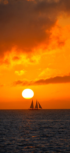 sunset usa sun colour art beautiful vertical sailboat photo nikon colours arty artistic florida creative fl colourful keywest nikkor 28300mm d610 sunsetpier paultrottier