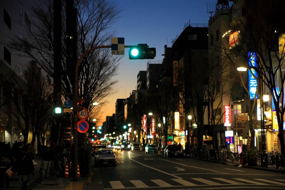 錦糸町駅前、夕まずめの風景