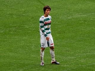 今シーズンからトップチームに正式に昇格した小林祐希選手。ボランチとしてチームを支える中心選手に。