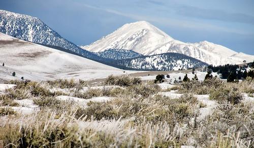 winter white snow mountains ice montana eastpioneermountains