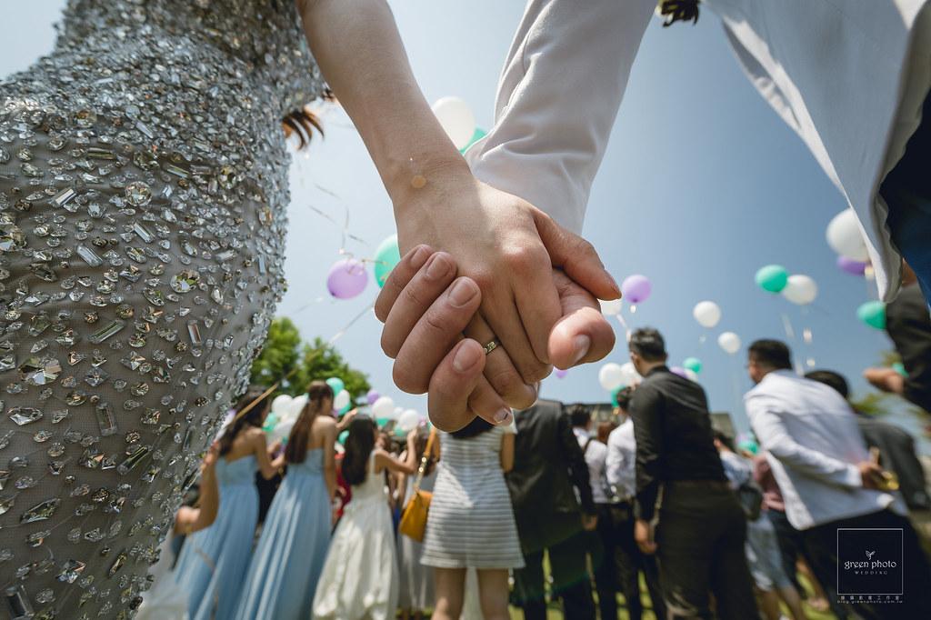 "alt=""宜蘭,古堡餐廳,戶外證婚,婚禮記錄,婚禮紀實,綠攝影像,阿三,周上,蕃薯爸,交換戒指,"""