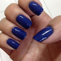 essa semana eu vou assim (mesmo tudo borrado!) #nail #blue #fail