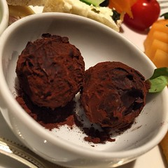 ice cream, chocolate truffle, chocolate pudding, food, dish, dessert, chocolate, snack food,