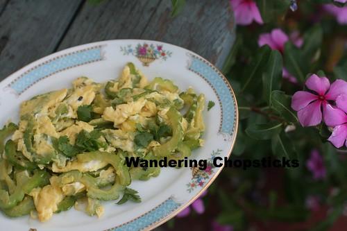 O  Kho Qua Xao Trung (Vietnamese Bitter Melon Egg Stir-Fry 9