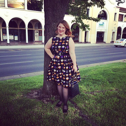 Today on the blog, my super cute Halloween dress made using New Look 6723 #sewing link in profile :)