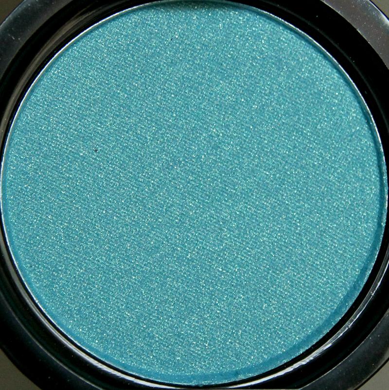 Claudia caribbean sea eyeshadow single1