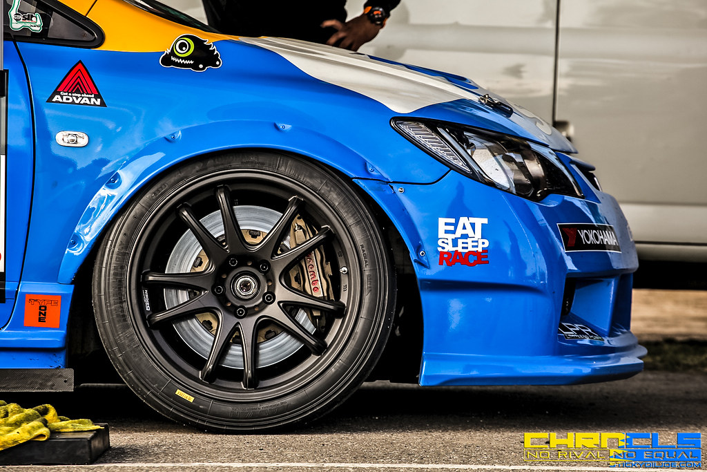 The Spoon Sports FD2 Civic Type R In Full Detail (Plus