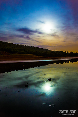 mars moon night lune landscape photography photo stadium reflet reflect paysage nuit hdr 6d 2014 vitrolles canon6d fredbart fredericbonnaud 10082014
