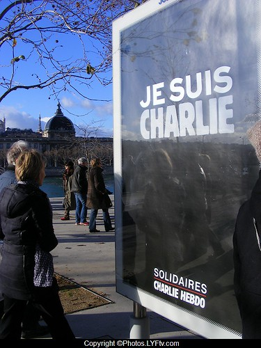 Manif Charlie Hebdo Lyon 11 janvier 2015 je suis Charlie panneaux decaux
