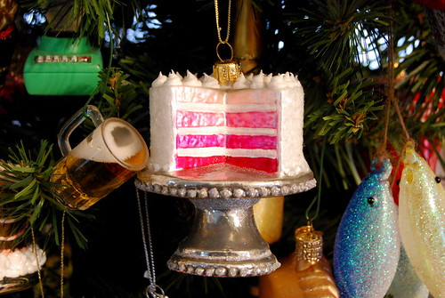 ornament - pink ombre cake-001