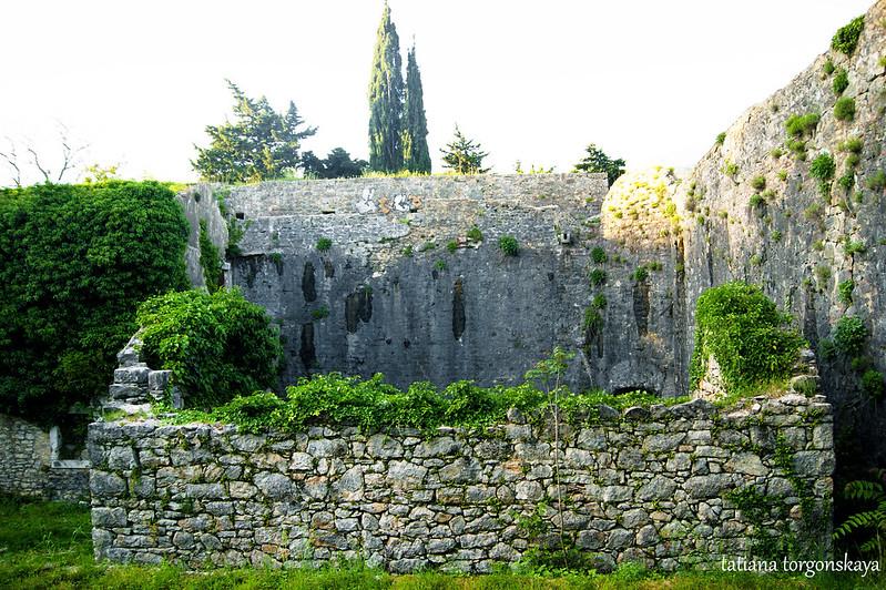 Постройки внутри крепости