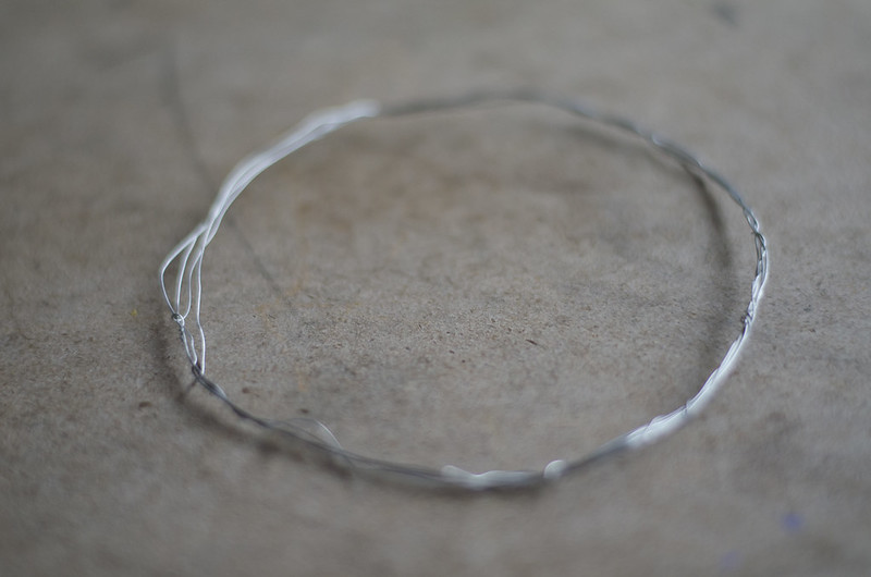 Mini Wreath Wire Base on juliettelaura.blogspot.com