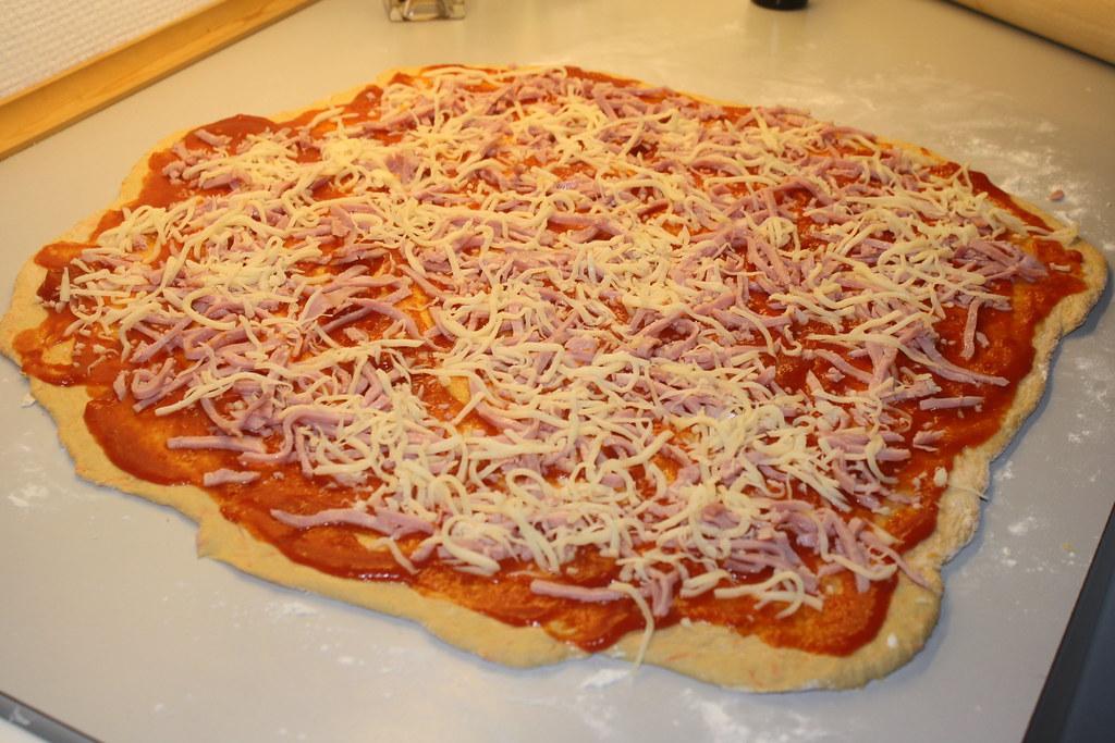 Grove pizzasnegle med skinke og ost  (6)