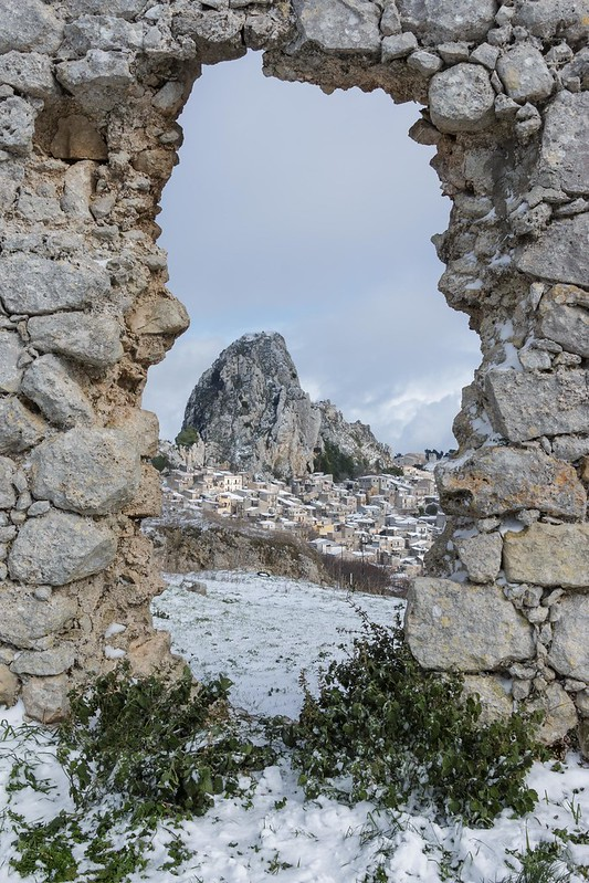 Snowy entrance to Caltabellotta, Sicily
