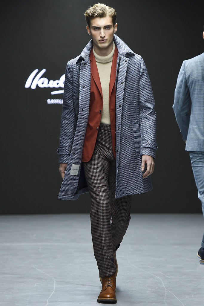 FW15 London Hardy Amies004_Charlie France(VOGUE)