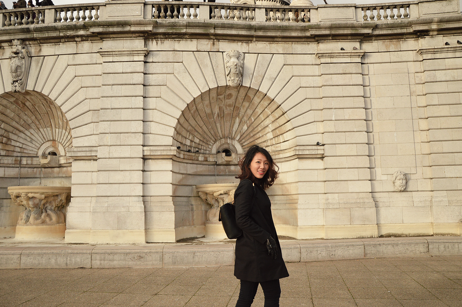 Outfit, all black, COS, charles & keith, backpack, black coat, turtleneck, paris, sacré-couer