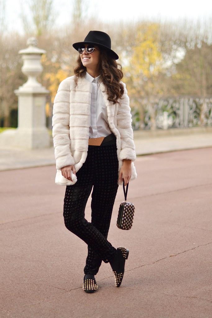 Tu look para fin de año: pantalón y loafers