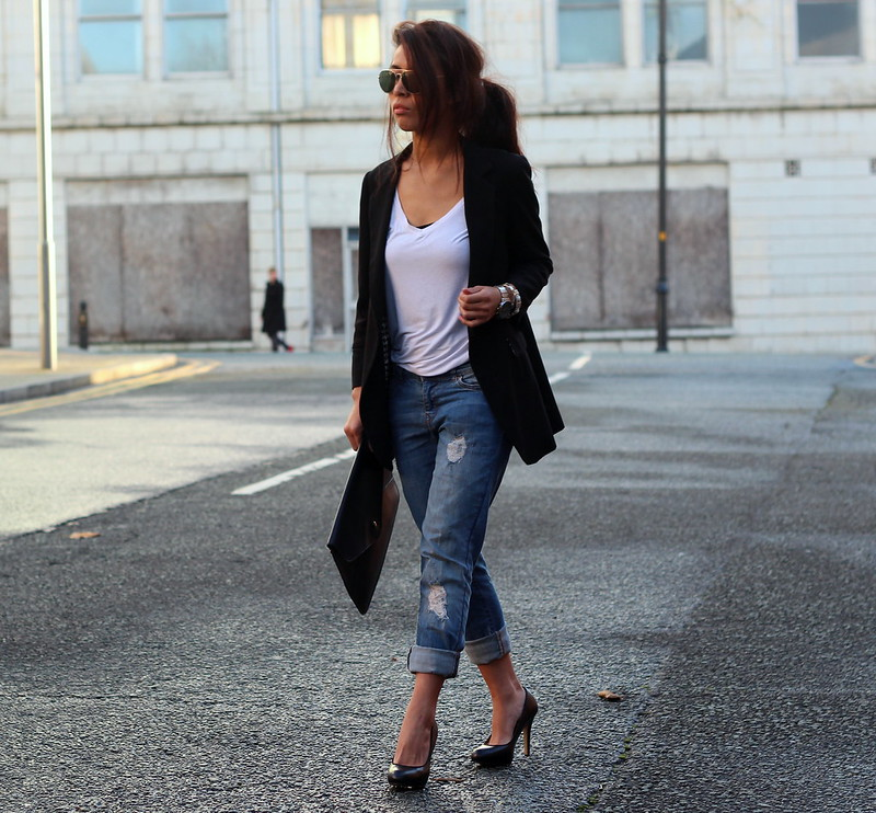 Article 21 Uk Fashion & Style Blog, Primark Ripped Boyfriend Jeans, Boyfriend Jeans, How to Wear Boyfriend Jeans, Workwear, Smart Casual Workwear, Primark Jeans, Basic White Tee, uk fashion blogger, top uk blogs, best uk fashion blogs, british fashion blogs, uk chinese blogger, manchester fashion blogger