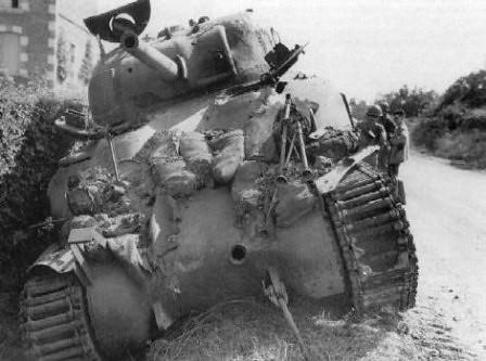 Tanque Sherman destruido