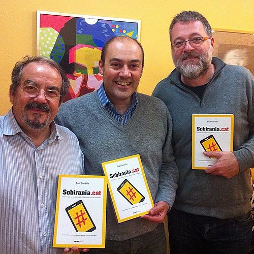 Presentació de #sobiraniaCAT a Rubí amb Xavier Serrat i Oriol Ferran. Hem fet 20 presentacions, amb 1.000 assistents de públic #llibres #books #libros #periodisme #internet #sobirania #rubí #rubicity #barcelona #catalunya #catalonia #igerscalella #igersma