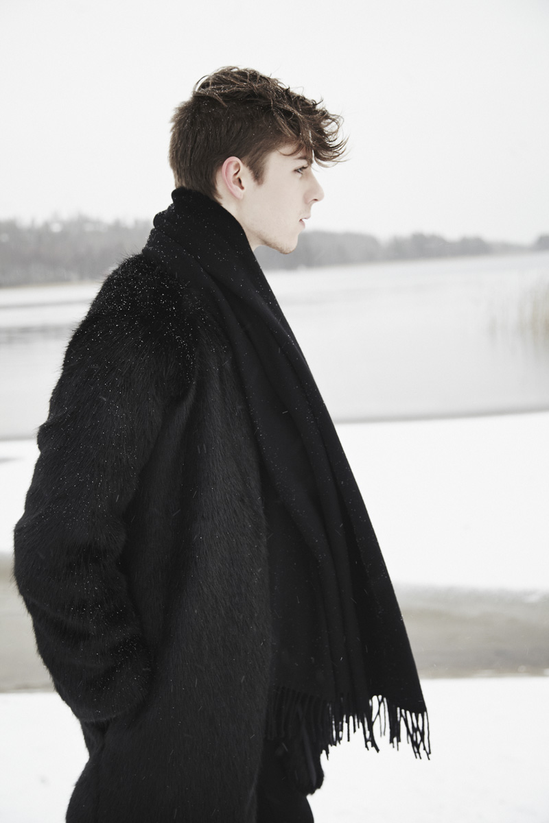 mikkoputtonen_fashionblogger_katriniskanen_furcoat_alexanderwang_allblack_winter_snow_acne_canada_scarf_gaudete_4_web