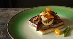 Calf liver brioche with onion and mango chutney