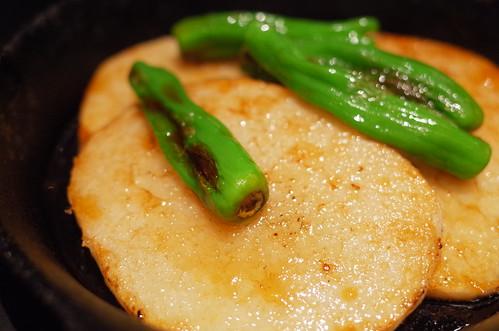 yam steak ししとうと山芋の鉄板焼き 特製醤油仕立て
