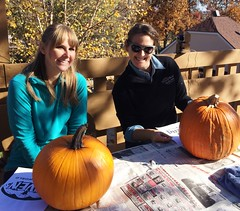 Lauren and Leah, ready to carve