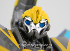 Transformers Shadow Strike Bumblebee Deluxe - Transformers Prime RID - modo robot