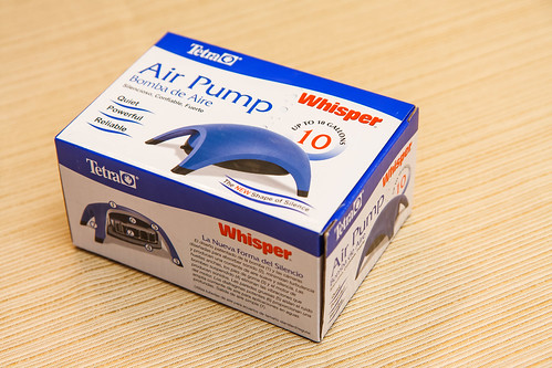 Tetra Whisper Model 10 Air Pump box