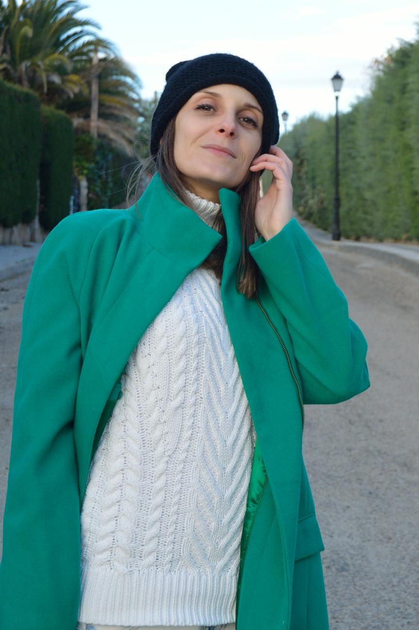 lara-vazquez-mad-lula-style-streetstyle-green-coat