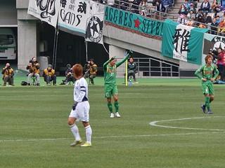 昨シーズンは試合終了間際に失点を喫して勝ち点を失うことの多かった東京ヴェルディ。土屋選手が最後までチームを引き締める。