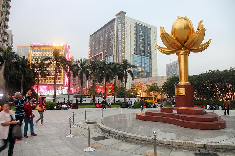 Golden-Lotus-Square
